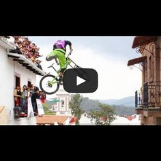EXTREME Mexican Mountain Biking!  Through narrow alleys, steeps stairs, and a kitchen! VIDEO: http://snip.ly/Xy5b #taxco #mexico #extreme #mtb #urban #downhill #race #redbull