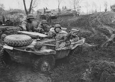 Автомобиль «Швимваген» и танки «Пантера» дивизии СС «Лейбштандарт Адольф Гитлер»