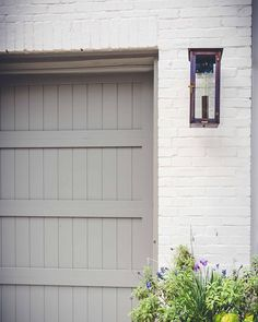 55 Trendy ideas for exterior brick house colors paint doors - Home & DIY Brick House Colors, White Brick Houses, Exterior Paint Colors For House, Paint Colors For Home, Exterior Colors, Exterior Design, Siding Colors, Garage Door Colors, Garage Door Design