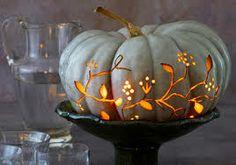 groene pompoen Diy Halloween, Herbst Halloween, Holidays Halloween, Halloween Design, Shabby Chic Halloween, Easy Pumpkin Carving, Pumpkin Art, Blue Pumpkin, Pumpkin Ideas