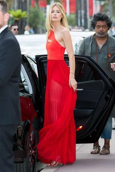 Doutzen Kroes spotted leaving Martinez hotel in Cannes, May 2017.
