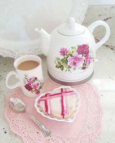 Maybe just one more cup. Coffee Room, Coffee Cafe, Coffee Mugs, Wednesday Coffee, Happy Day Farm, Tea And Books, Chocolate Pots, Chocolate Coffee, My Cup Of Tea