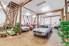(1) FINN – Trøgstad - Næring og boligeiendom med mange bruksmuligheter / utleiemuligheter. Stor påkostet låvebygning med utstilling, lager, verksted, kontor, og festlokale. Bolig med dobbel garasje, innredet stabbur og nydelig opparbeidet tomt på 7,4 mål. Bør sees!