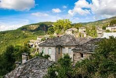 5 Χειμερινοί προορισμοί στην Ελλάδα ιδανικοί για ζευγάρια! | ediva.gr Mansions, House Styles, Travel, Home Decor, Viajes, Decoration Home, Room Decor, Fancy Houses, Trips