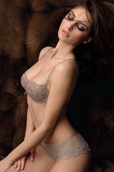 Desiree lingerie blind date