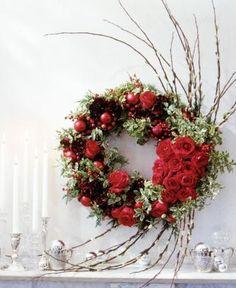 DIY Home Decor DIY Fall Crafts : DIY Holiday Rose Wreath