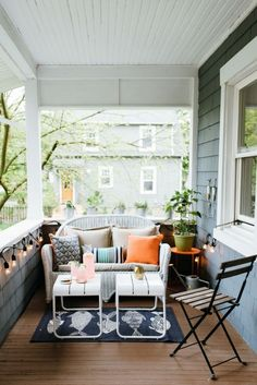 Perfectly Petite Patios, Balconies & Porches: The Most Inspiring Seriously Small Outdoor Spaces – 2019 - Patio Diy Small Outdoor Spaces, Small Patio, Small Spaces, Small Terrace, Small Balconies, Small Small, Room Decor For Teen Girls, Jardin Decor, Small Porches