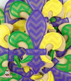 mardi gras cookies, new orleans cookies, nola cookies, fleur de lis cookies