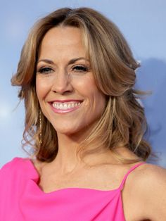 Sheryl Crow was pretty in pink at the #ACAs
