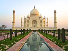 25 Most Famous Landmarks From Around The World 14
