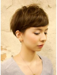 Variation of the bowl haircut meets pixie cut