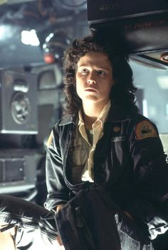 Alien Featuring Sigourney Weaver Poster as Ripley Horror Icons, Sci Fi Horror, Alien Sigourney Weaver, Alien Ripley, Alien 1979, Aliens Movie, Costume Tutorial, Cinema Posters, Film Movie
