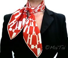 A blog about how to wear, tie or knot Hermes carres and square silk scarves, and how to accessorize a capsule, business and travel wardrobe. Ways To Wear A Scarf, How To Wear Scarves, Silk Neck Scarf, Black Suits, Vintage Scarf, Business Attire, Neck Scarves, Scarf Styles, Fashion Details
