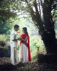 Kerala Wedding Photography, Wedding Couple Poses Photography, Couple Photoshoot Poses, Couple Shoot, Beach Photography, Romantic Couple Images, Cute Couple Images, Pre Wedding Poses, Pre Wedding Photoshoot