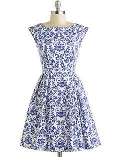 Europe And The Retro Style Blue Floral Print Boat Neck Pockets-Attached Women's Dress, www.rosegal.com, $45.19.