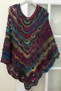 This is the most comfortable poncho you will ever crochet! This is the most comfortable poncho you will ever crochet! Poncho Au Crochet, Crochet Cape, Crochet Poncho Patterns, Crochet Shawls And Wraps, Crochet Scarves, Crochet Clothes, Crochet Stitches, Free Crochet, Knit Crochet