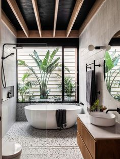 This Elwood Residence Is Putting A New Face Forward bathroom interior design exotic spa decor Patio Interior, Bathroom Interior Design, Interior Design Living Room, Living Room Designs, Interior Decorating, Diy Decorating, Studio Interior, Interior Designing, Interior Modern