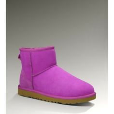 #ugg Tall Uggs, Ugg Boots Sale, Sheepskin Boots, Classic Mini, Snow Boots, Shoe Game, Casual Shoes, Runway Fashion, Fashion Shoes