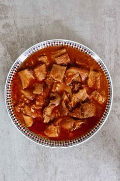 Akod is the epitome of Tunisian Jewish cuisine. It is prepared with tripe skillfully scented with cumin, garlic, tomato paste and harissa. Tunisian Food, Tunisian Recipe, Tripe Recipes, Pumpkin Fritters, Tomato Paste, Soups And Stews, Curry, Appetizers, Treats