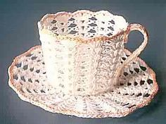 SHELL CUP AND SAUCER  http://dandylionspatterns.blogspot.com/2007/06/shell-cup-and-saucer.html