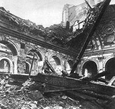 Bombardamento del 1943: le rovine dell'antico monastero dei Lateranensi, sede del Conservatorio.