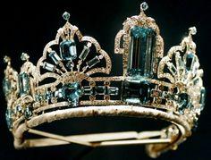 Tiara de diamantes y aguamarinas brasileñas