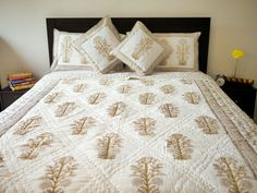 Off white and Gold hand block printed quilt/bed cover/blanket/ac blanket/comforter/bed spread/ coverlet /duvet / bed linen / bedding Duvet Bedding, Linen Bedding, Bed Linen, Bed Table, Bed Covers, Floral Motif, Bed Spreads, Pillow Cases, Cushions