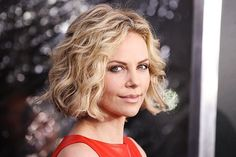 Tips+for+easy+curly+hair+like+Charlize+Therons+sexy+bob.