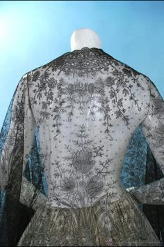 Mantón mantilla de chantilly