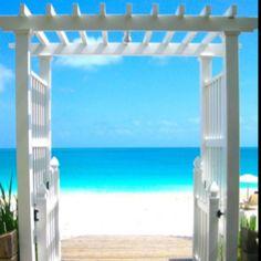 Bora Bora...Could you imagine getting married here? Heaven!