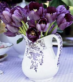 .Like the idea of using a pitcher or something with a more casual feeling.