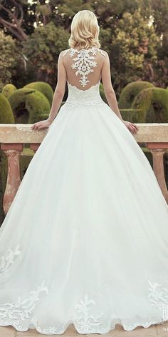 27 Ball Gown Wedding Dresses Fit For A Queen ❤ See more: http://www.weddingforward.com/ball-gown-wedding-dresses/ #wedding #dresses #ball #gown