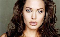 5 women who look exactly like Angelina Jolie