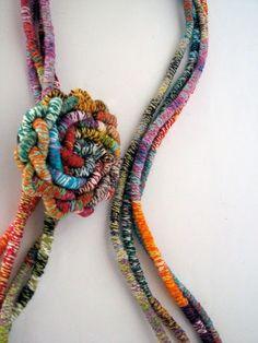 Diy Fabric Jewellery, Fabric Bracelets, Textile Jewelry, Bead Jewellery, Boho Jewelry, Jewelry Crafts, Jewelry Art, Jewelery, Jewelry Accessories