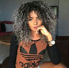 Uploaded by Katyyy. Find images and videos about hair, beauty and curly on We Heart It - the app to get lost in what you love. Dyed Curly Hair, Colored Curly Hair, Curly Hair Cuts, Short Curly Hair, Curly Hair Styles, Natural Hair Styles, Love Hair, Big Hair, Blond Ombre