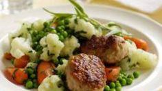 Kostplan: Frikadeller med persille-stuvede grøntsager | Femina