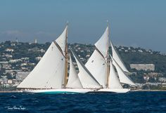 From September 20 to 28 more than one hundred classic boats and Dragons, typifying the belle époque of yachting, will race for victory.