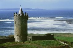 DOONAGORE CASTLE, Doolin, Co Clare. West Coast Of Ireland, County Clare, Tower House, Irish Traditions, Ireland Travel, Historic Homes, 16th Century, Tower Bridge, Science Nature