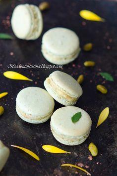 Biondinaincucina: Pistachio Macarons