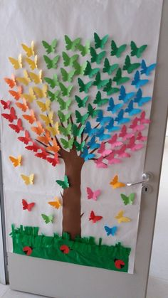 Rainbow Tree - an idea for class decoration . - Rainbow Tree – an idea for class decoration … – # a # for # … – crafts for chi - Kids Crafts, Summer Crafts, Preschool Crafts, Easter Crafts, Arts And Crafts, Creative Crafts, Jar Crafts, Creative Art, Butterfly Tree