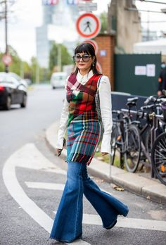 Street Style At Paris Fashion Week - Womenswear Spring Summer 2021 : Day Six