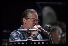 Mike Patton with Eyvind Kang at Sacrum Profanum (second performance) 2016.