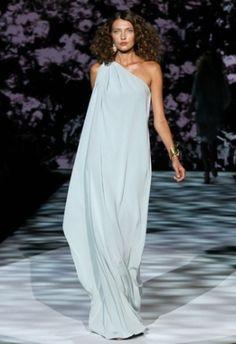 Beautiful flowy dress by edith.delacruz.948