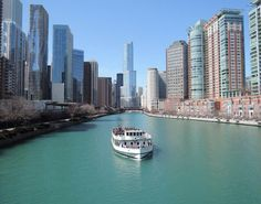 Cruising down the Chicago River...