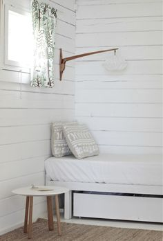 summer cottage white and wood | time of the aquarius