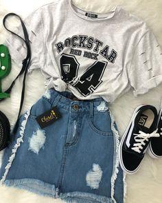 Look urbano 🌵 . #lookstyle #lookperfeito #closet #lookcloset #closetinspira #fashionblogger . 💰Cropped apenas 49,00 reais . 💰saia apenas…