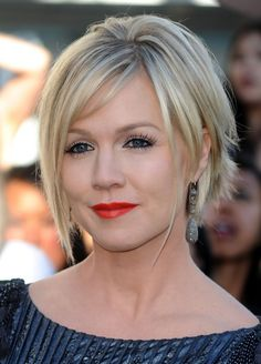 Medium Shaggy Hairstyles | Shaggy Hair Style Tips for Women - Popular Shaggy Haircuts