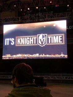 Golden Knights Hockey, Vegas Golden Knights, Travel Style, Nhl, Penguins, Las Vegas, Flower, Sports, Hs Sports