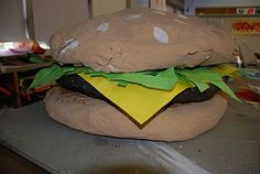 Giant Food Sculptures: Cloudy with a chance of meatballs Food Sculpture, Sculpture Lessons, Paper Mache Sculpture, Sculpture Projects, Art Projects, Paper Sculptures, Sculpture Ideas, Pop Art Party, High Art