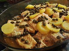 Salmão ao forno com molho de manteiga com alcaparras | Receitas Brasileiras e Portuguesas